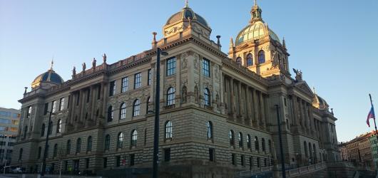 Hlavní budova Národního muzea se na měsíc uzavře. Od března chystá nové výstavy i zpřístupnění kopule