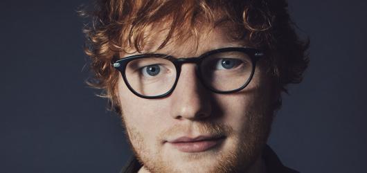 Známe předskokany Eda Sheerana. Budou jimi James Bay a Zara Larsson