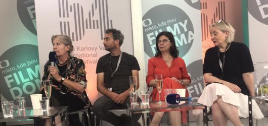 KVIFF 2019: Do portfolia bizarních i silných zážitků je to velký zářez, řekla Třeštíková o uvedení dokumentu Forman vs. Forman v Cannes