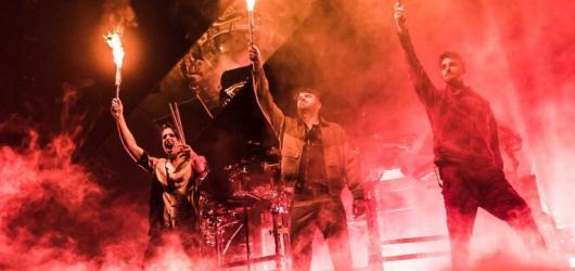 Američtí The Chainsmokers vyrazí příští rok na evropské turné. Těšit se může i Praha