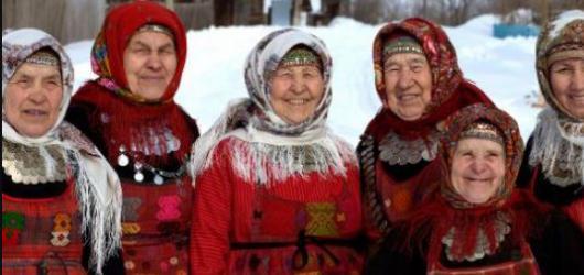 Buranovské babičky a speciality ruské kuchyně obsadí již tuto neděli Žluté lázně
