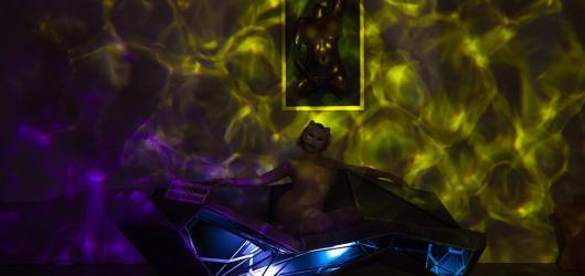 Nahota jako umění. V Praze se otevírá stálá expozice skutečných nahých lidí Voayer Gallery