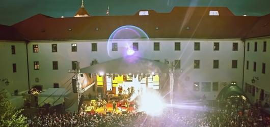 Kulturní léto v Brně: festival na Veveří, výstava vína i Offspring
