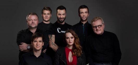 Netradiční spojení cimbálovky a Václava Noida Bárty nabídne pražské Divadlo Gong