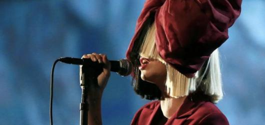 Muzikál podle Siy? Australanka letos chystá hudební film i novou desku