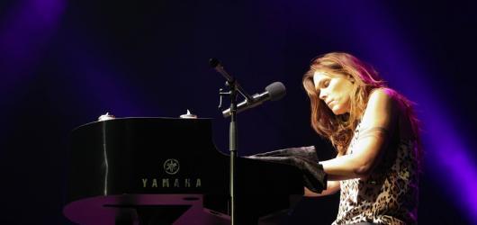 Beth Hart Praze opět ukázala, že hudba je pro ni tím nejpřirozenějším jazykem