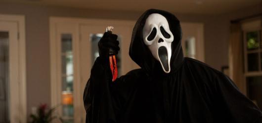 Návrat hororové klasiky. Do kin opět zavítá kultovní zabiják Ghostface