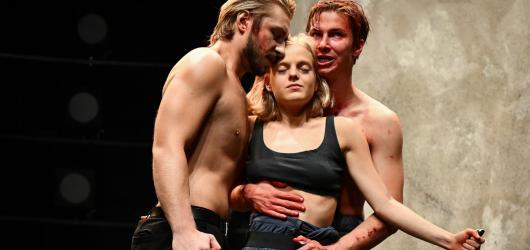 Oresta v Disku táhnou talenti Goldschmid s Bechyňovou. Jinak je antická klasika bezpečnou sázkou na jistotu