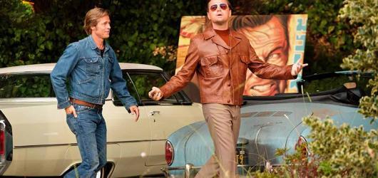 Soundtrack filmu Tenkrát v Hollywoodu je od začátku do konce nabitý oldschoolovými peckami