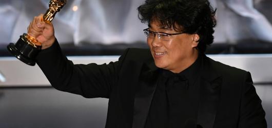 Parazit nakazil Akademiky. Vítězem Oscarů je poprvé zahraniční snímek, jihokorejská černá komedia Pon Džun-hoa