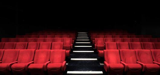 Komorní divadla a malá kina. Kde v Praze stále můžete načerpat kulturní zážitky