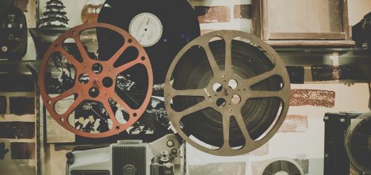 Výlety do světa filmů – slavní herci, televizní technika i postavy z disneyovek