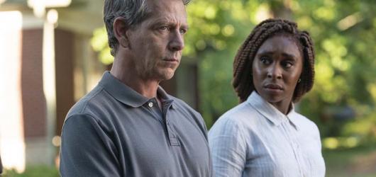 HBO znovu sází na Stephena Kinga. Temné kriminální drama Outsider nabízí jeden z nejvíce vtahujících úvodů současné televizní produkce
