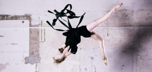 Jatka 78 uvedla světovou premiéru vzdušných akrobatů. Na Strapmanii navážou i další hvězdy