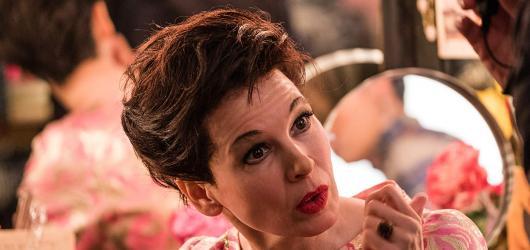 Životopisný snímek Judy přináší autentický herecký výkon Renée Zellweger, ale také velmi slabou příběhovou linku