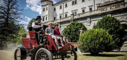 Letní hrady a zámky 2020: nejlepší programy ve středních Čechách