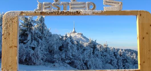Zimní Ještěd a Liberec: za lyžovačkou, slavným vysílačem, koupáním i zábavou pro děti