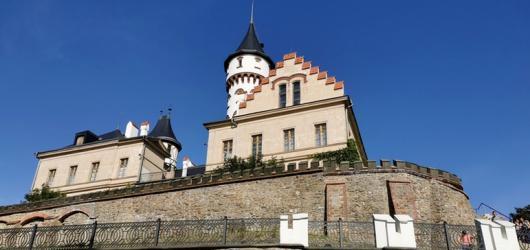 Pověsti z hradů a zámků: Moravskoslezským krajem za zlomyslnými skřítky, bílou paní i strážci pokladů