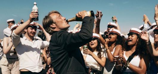 Filmový říjen: nový Pinocchio, dánský pohled na alkohol i dokument o Karlu Gottovi