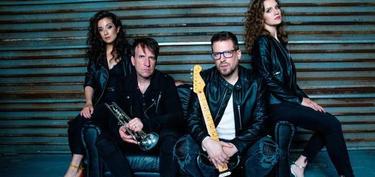 Během pandemie vznikla nová česká kapela Napořád. Tvoří ji i dva bývalí členové Chinaski