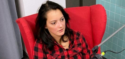 Proudcast s Nikolou Kandoussi: Nemohla bych být jen rocková dračice. Muziku ve svém životě ale potřebuji