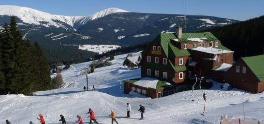 Zimní Pec pod Sněžkou: pořádná lyžovačka, zasloužený relax i zábava pro děti