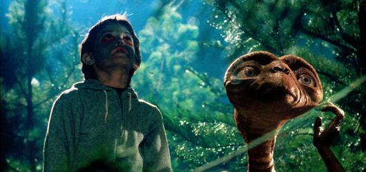 E.T. – Mimozemšťan, Rošťáci nebo Pocahontas. Rodinné filmy, které vám zpříjemní podzimní večery