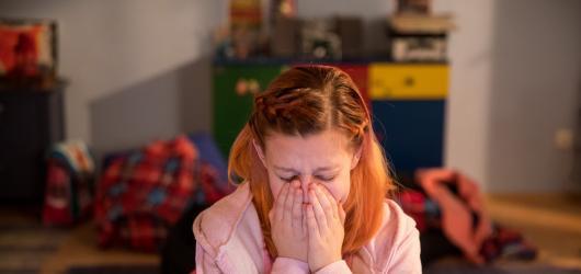 Klusák s Chalupovou V síti odhalují skrytou hrozbu obtěžování na webu. Výsledek vyvolá nervózní smích i oči pro pláč
