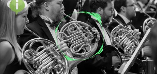 Proudcast s Matějem Lehárem: Když uslyšíte kontrabasy s fagotem, budete vědět, že v televizi začínají Čelisti