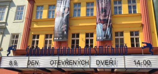 Prohlídky, slevové akce i koncert. Švandovo divadlo zahájí sezónu Dnem otevřených dveří