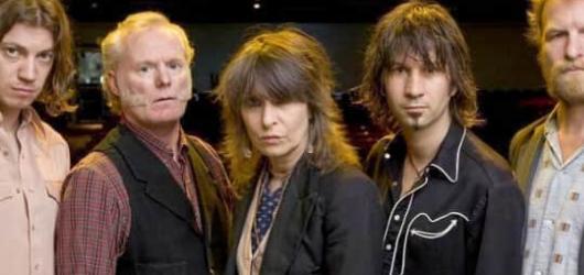 Noví The Pretenders jsou radostí z punk rocku a důkazem, že rock\'n\'roll není mrtvý