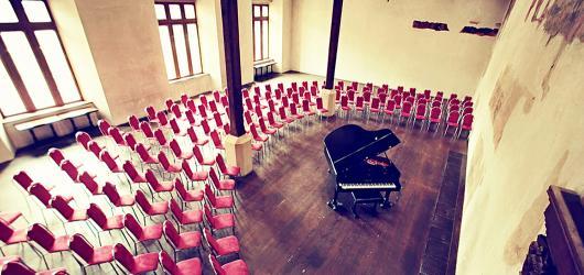 Novoměstská radnice chystá na podzim koncerty jazzové i klasické hudby