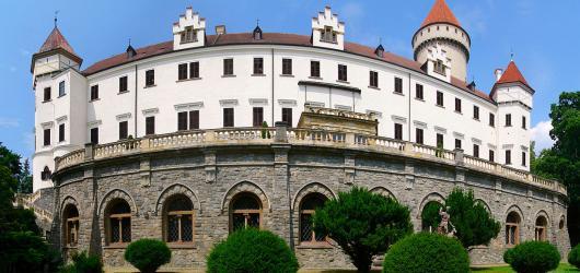 Pověsti z hradů a zámků: Středočeským krajem za templářskými rytíři, podzemním jezerem i poklady