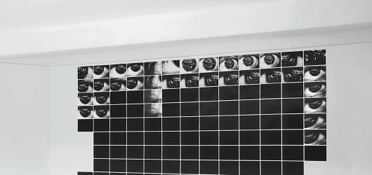 Nové výstavy v Praze: stoletá Hellichovka, diskomfortní fotografie i malířský mistr Josef Mánes