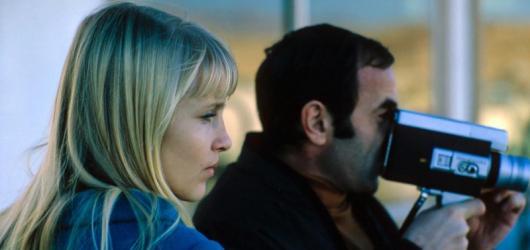 Festival francouzského filmu bude online, zahájí ho dokument o šansoniérovi Charlesi Aznavourovi