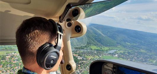 Řízení cessny, vrtulníku nebo ultralehkého letadla pro nezkušené nabízí Pilotem na zkoušku