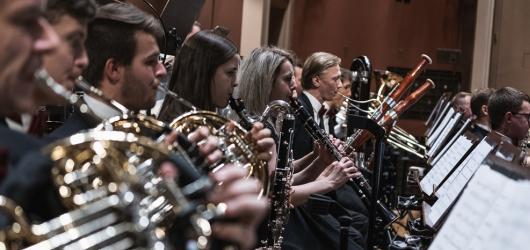 Valentýn v Rudolfinu? Filmová filharmonie chystá koncert plný romantických filmových melodií