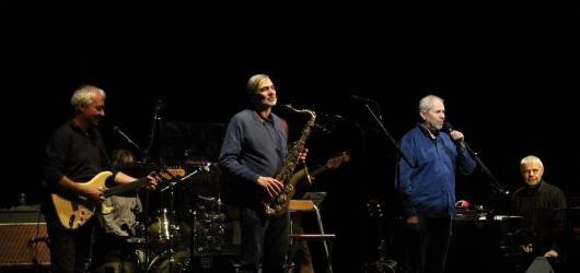 Bratři Ebenové se Schmitzerem naplnili předvečer Tří králů příjemnou hudbou i humorem