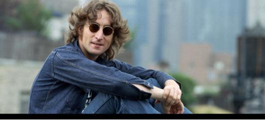 Uplynulo 40 let od úmrtí Johna Lennona. Připomeňme si jeho život v devíti písních