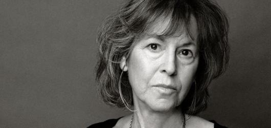Nobelovu cenu za literaturu získala americká básnířka a esejistka Louise Glück