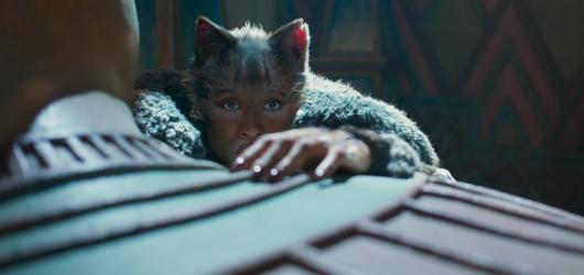 Mňaukosféra v nedohlednu. Filmová verze Cats je umělým strašákem na zlobivé děti a milovníky Webberových muzikálů
