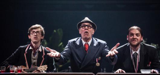 Hořká komedie Dobové tance ukazuje, že protančit se dá jakýmkoliv režimem