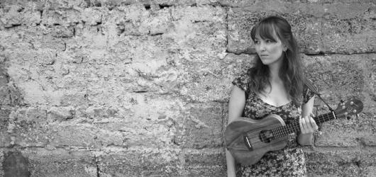 Kapela Sarah & The Adams pokřtí novou desku v Jazz Docku