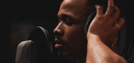 Ben Cristovao se spojil s IMT Smile a vznikl singl Miesto