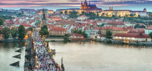 Rozmanitou prohlídku po pražských ikonách s poučným kvízem spojuje aplikace Quest In Tour