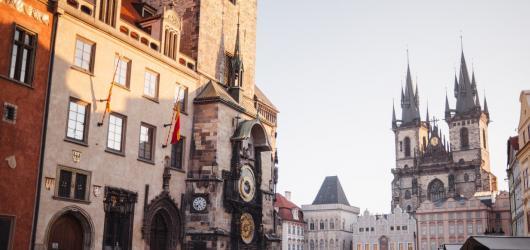 Rychlokurz cizí řeči, čtení u Vltavy i setkání se sousedy. Kam v Praze zdarma během podzimu?