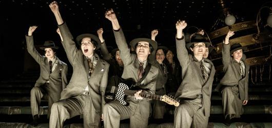 Národní divadlo uvede zdarma filmové verze inscenací. Jako první odvysílá hru Za krásu