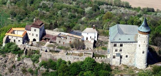 Pověsti z hradů a zámků: Pardubickým krajem za podzemními poklady, parádivou hraběnkou i drakem