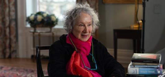 HBO uvede dokument o Margaret Atwood, autorce Příběhu služebnice