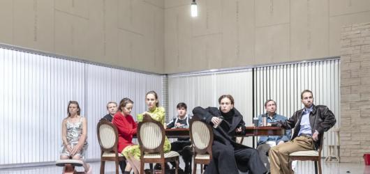 Gorkij v Národním, Almodóvarovy matky i nový Hartl. Přinášíme týdenní tipy od 25. do 31. října
